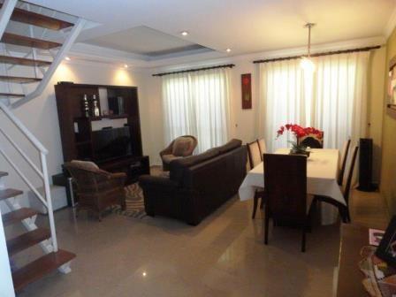 Casa em Condomínio Jardim Rosa Maria 3 dormitorios 1 banheiros 2 vagas na garagem