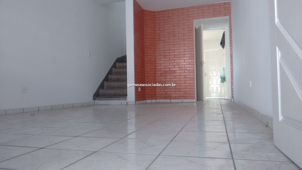 Sobrado Jardim Gilda Maria 2 dormitorios 2 banheiros 2 vagas na garagem